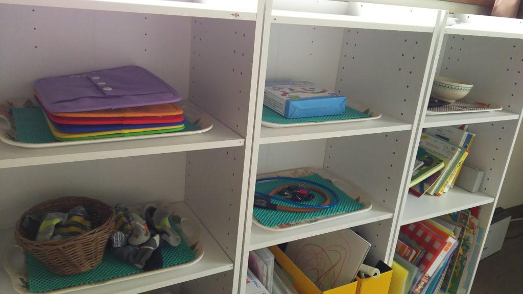 カラーボックス3つの教具棚